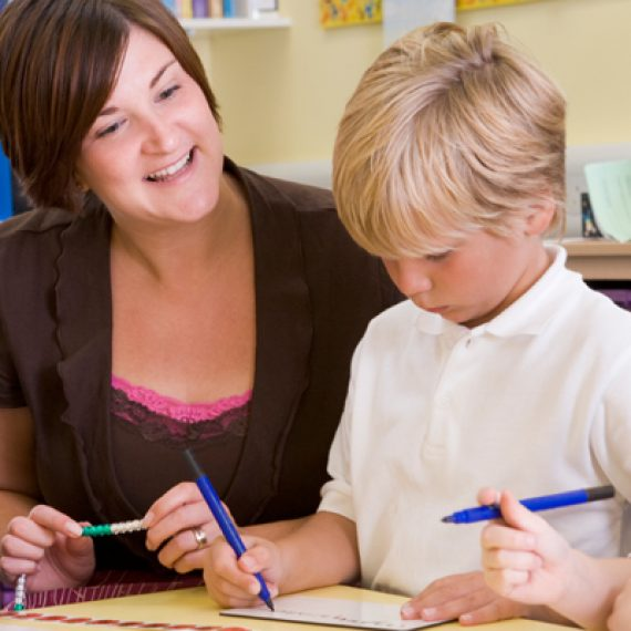 Want to work school hours? – Train to become a Teaching Assistant